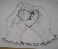 corazón encadenado a lapiz